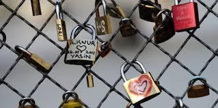 Khóa tình yêu ở Pháp